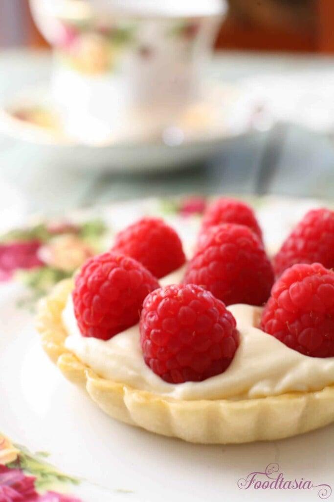 raspberry mascarpone tart