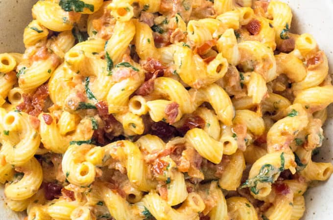 Sundried Tomato Mascarpone Pasta with Baby Spinach and Roasted Red Pepper