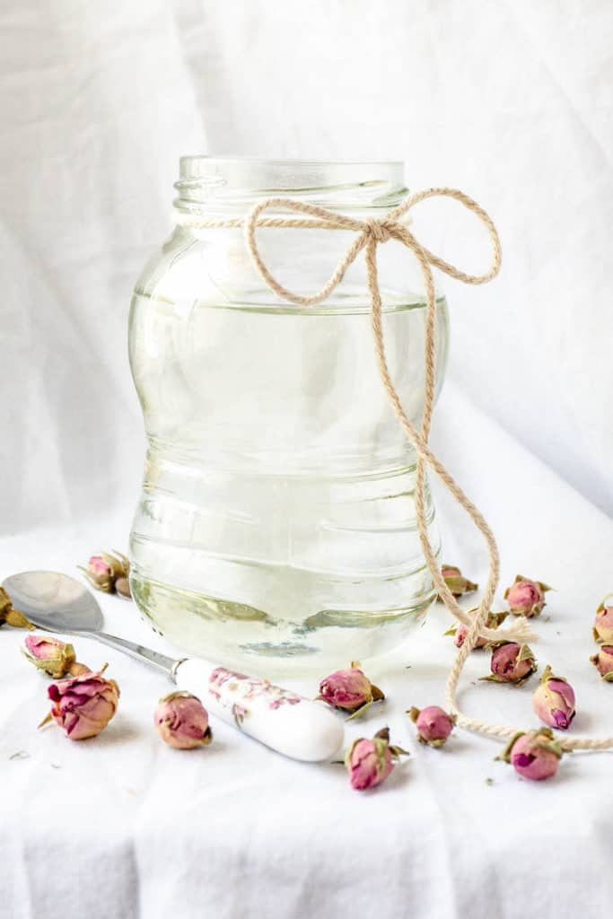 Lightly scented with rose water, orange blossom water, or both, Atar Rose Water Syrup, also known as Qater, adds an exotic fragrance to many traditional Middle Eastern sweets and pastries. Atar is featured in many pastries, used either to soak in, pour over, or drizzle on - giving them just a hint of perfumed fragrance.