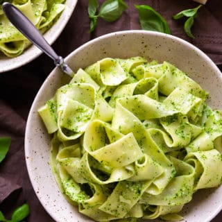 Pappardelle with Creamy Ricotta Pesto – pappardelle pasta in a creamy, garlicky pesto sauce infused with ricotta. Who would have thought that pesto could get any better? #pesto #pasta #pappardelle #italian #easy #quick #dinner #ricotta #sauce