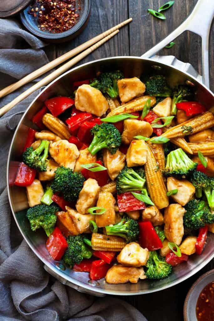 a dish of Hunan chicken